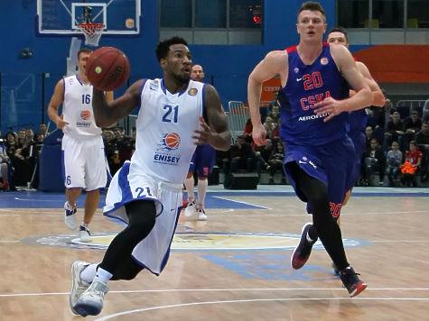 Баскетбольный «Енисей» проиграл ЦСКА впервом матче сезона