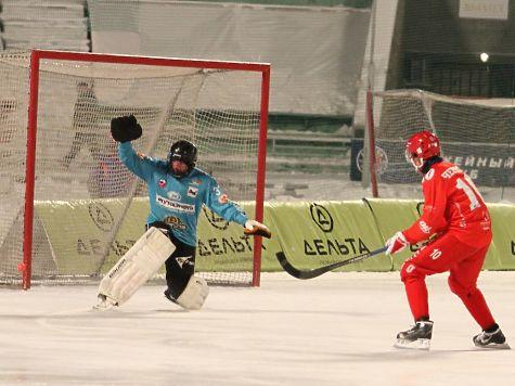 Красноярцам помогли выиграть уиркутской команды ихбывшие хоккеисты