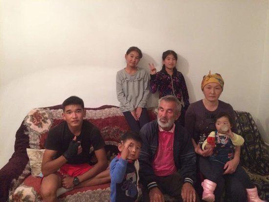 Красноярец, потерявшийся за границей 1,5 года назад, прилетел домой