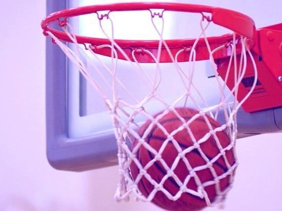 Красноярские баскетболисты уступили соперникам 10 очков