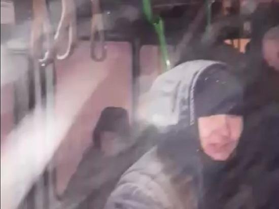 В Норильске спасли рабочих из застрявших в снегу автобусов