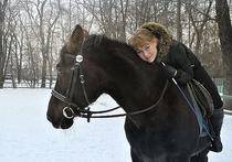Суд слушает дело о гибели наездницы и лошади в «Сокольниках»: ограждений на месте никто не видел