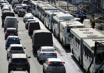 Водители могут потребовать у властей Москвы отменить полосы для общественного транспорта